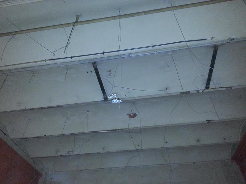 Falso techo met lico kutxa isatech - Falso techo modular ...
