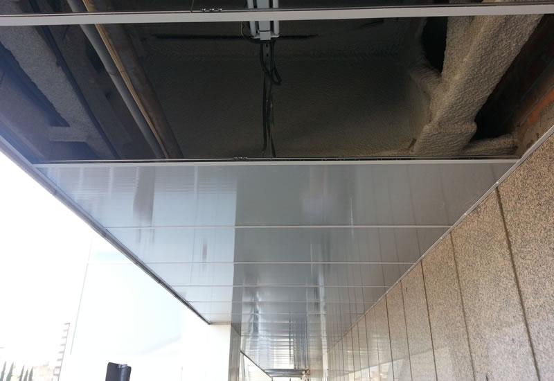 Techos de policarbonato y metacrilato isatech - Como instalar un techo de policarbonato ...